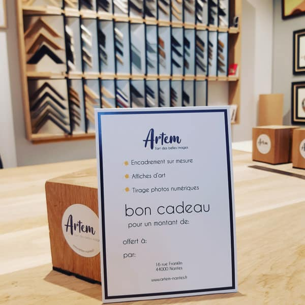 Les bons cadeaux de la boutique d'encadrement et d'affiches Artem à Nantes.